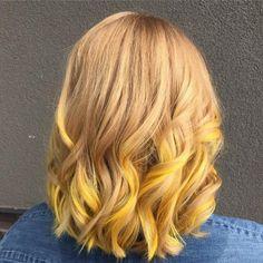 Sunlight Blonde 20 Surprisingly Trendy Yellow Hair Color Ideas in 2019 Yellow Blonde Hair, Yellow Hair Color, Blonde Hair With Highlights, Ombre Hair Color, White Hair, Hair Colors, Brown Hair Cuts, Natural Dark Hair, Neon Hair