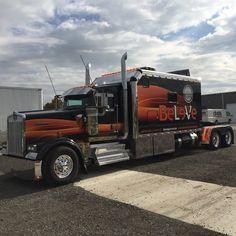 US Trailer — Kenworth custom livin. Dually Trucks, Peterbilt Trucks, Diesel Trucks, Lifted Trucks, Peterbilt 379, Show Trucks, Big Rig Trucks, Old Trucks, Custom Big Rigs