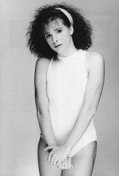 Mylène Farmer - Photographe John Frost - 1984 Maman A Tort, Selena, Red Hair Woman, Pop Rock, Women In Music, Farmer, Singer, Black And White, Celebrities