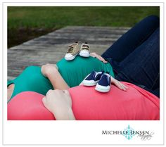 Poses for maternity pics