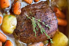 Roast with Carrots and Potatoes - a simple recipe for pot roast that tastes like a french onion soup! The meat is tender and delicious and it requires a simple 15 minutes of presswork! Dutch Oven Recipes, Pot Roast Recipes, Potato Recipes, Beef Recipes, Soup Recipes, Cooking Recipes, Game Recipes, Cooking Beef, Entree Recipes