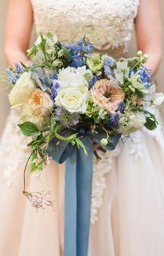 Love the dusky palette of this pretty bouquet!