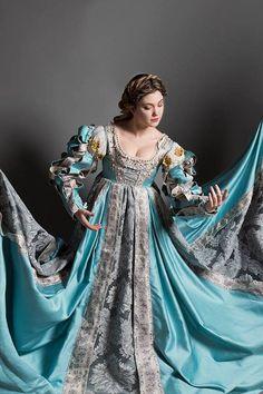Costume complet de Lucrezia Borgia