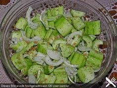 try Zucchini, Vegan, Avocado Toast, Asparagus, Green Beans, Food And Drink, Vegetables, Breakfast, Chef Recipes
