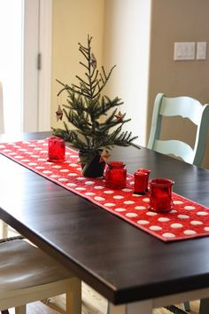 Diary of a Quilter: Wrapping Up Christmas - table runner