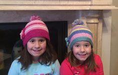 Πολύχρομα χειροποίητα πλεχτά μάλλινα σκουφάκια με πομ πομ / Multicolor handmade knitted woolen hats with pom pom