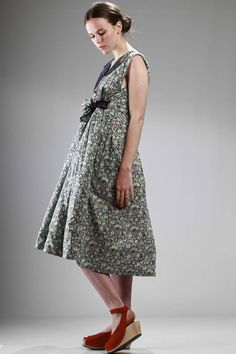 Daniela Gregis | wide calf-length dress, doubled: cotton liberty on one side and the other in linen plain gauze