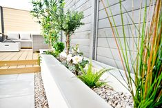 Artificial plants - Our Back Garden Makeover - small garden ideas Backyard Ideas For Small Yards, Backyard Patio Designs, Small Backyard Landscaping, Cozy Backyard, Privacy Landscaping, Back Garden Design, Modern Garden Design, Contemporary Garden, Back Gardens