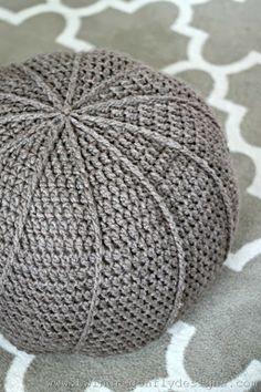 Floor pouf by Twin Dragonfly Designs #freepattern #crochet #crocheting #gratispatroon #haken