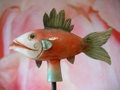 Gartenkeramik Goldfisch »Grünflosse« von Werkstatt für Gartenkeramik  Brigitte Peglow auf DaWanda.com