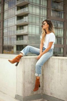 70 Super Ideas For How To Wear Boyfriend Jeans Casual Cute Fall Outfits, Spring Outfits, Casual Outfits, Fashionable Outfits, Casual Hair, White Outfit Casual, Casual Heels Outfit, Denim Outfits, Heels Outfits