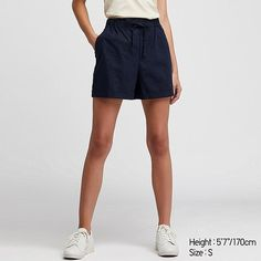Discover the new selection of Shorts at UNIQLO online. Cotton Shorts Women, Linen Shorts, Jupe Short, Black Dating, Stretch Shorts, Lookbook, Bleu Marine, Bra Tops, Plus Size