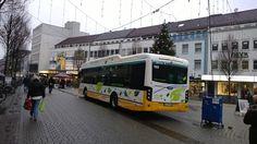 VDL-Bus mit dem Kennzeichen DA-HM-980 der RMV am 14.12.2013 von hinten auf dem Ludwigsplatz.