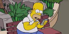 Springfield ist wie der Rest der Welt im Pokemon GO-Fieber. Homer nimmt das Game besonders ernst. Checkt das lustige Video: Pokemon GO-Verarsche bei den Simpsons ➠ https://www.film.tv/go/SimpsonsGO  #Simpsons #Pokemon #PokemonGO