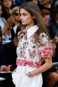 iloverunways: #valentine'sday Chanel Spring 2015 Ready-to-Wear