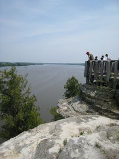 Illinois River from the top of Starved Rock.