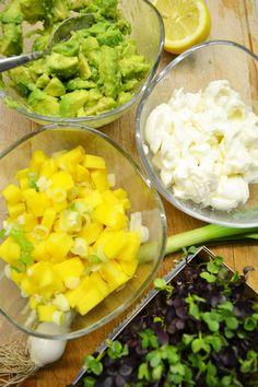 Frisches Türmchen! Avocado-Mozzarella-Mango-Salat mit Orangenvinaigrette Healthy Green Smoothies, Avocado Smoothie, Easy Smoothies, Vinaigrette, Mozzarella Salat, Bento And Co, Mango Salat, Braised Beef, Greens Recipe