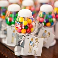 Vintage Wedding FavorsI was thinking a popcorn idea for favours :) How cute for a kids birthday party too!