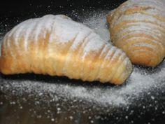 Sfogliatella - sfogliatelle ~ Pasteles de colores Cooking, Ethnic Recipes, Shape, Lolly Cake, Buns, Food Recipes, Hipster Stuff, Kochen, Brewing