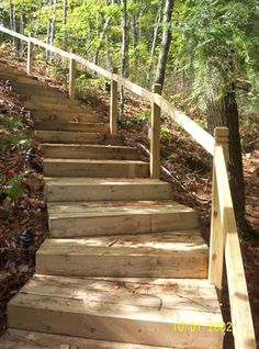 30 Best Wooden Steps And Walkways Design Ideas For Outdoor Wooden Steps Outdoor, Wooden Walkways, Steep Hillside Landscaping, Mulch Landscaping, Landscaping Ideas, Landscaping On A Hill, Mailbox Landscaping, Country Landscaping, Sloped Backyard