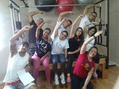Nosso Professor Junior Excelentíssimo Profissional, na Turma 71 São Paulo - 2015 e seus alunos expressando e esbanjando felicidade no Curso de Pilates. Parabéns a todos os alunos.  #thepilatesfisiofitness #pilates curso de pilates curso de pilates sp formação pilates