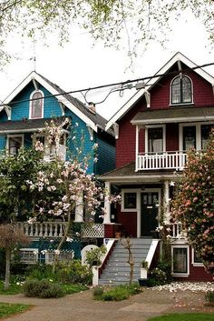 Kitsilano, Vancouver, 'my neighbourhood' . I love these houses! I live in an old one during my studies. Vancouver House, Vancouver Real Estate, Vancouver Bc Canada, Vancouver Island, Vancouver Photos, Montreal Canada, Vancouver Architecture, Beautiful Homes, Beautiful Places