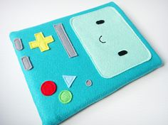 Felt iPad Sleeve / Case - BMO Adventure Time. $35.00, via Etsy.    I need to make this for my tablet!