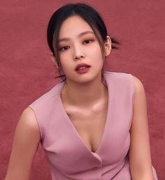 Cute Korean Girl, South Korean Girls, Asian Girl, Blackpink Jennie, Rapper, Bts Black And White, Blackpink Photos, Blackpink Fashion, Blackpink Jisoo