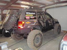 Rear tire carrier