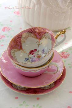 Aiken House & Gardens: A Pink Tea Time ( Pretty pink teacups.)