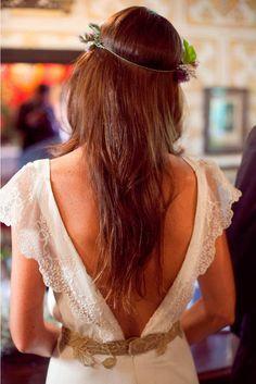 Bárbara, una novia con corona de flores | AtodoConfetti - Blog de BODAS y FIESTAS llenas de confetti