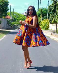 Take a look at these super stylish ankara styles for pregnant women and your wardrobe will never lack fashionable African print outfits. African Dresses For Women, African Print Dresses, African Fashion Dresses, African Attire, African Wear, African Women, African Prints, Ankara Styles For Women, Ankara Fashion