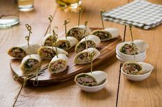 Borrel wraps   - HEKS'NKAAS® Tapas, I Love Food, Good Food, Buffet, Party Snacks, High Tea, Snack Recipes, Appetizers, Favorite Recipes
