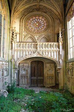 Abandoned Chapel in France | Capela abandonada na França