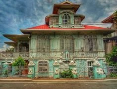 Filipina, Old Houses, Big Ben, Interiors, Mansions, Architecture, House Styles, Building, Travel