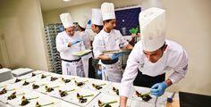 #CiboNostrum è la grande #festa della #cucina italiana organizzata dalla #FEDERAZIONEITALIANACUOCHI che da sei anni riunisce #chef e professionisti del settore #agroalimentare per tre giorni di #festa, #formazione e #solidarietà.