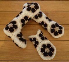image of African Flower crochet Bear