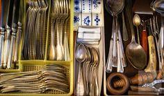 Orden. Cubiertos. Cutlery organized for Christmas
