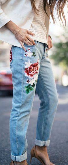 Ese jean es hermoso :)
