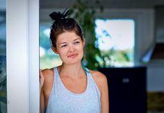 Cecilie Noer is a singer, composer and a designer for oje-blik.dk