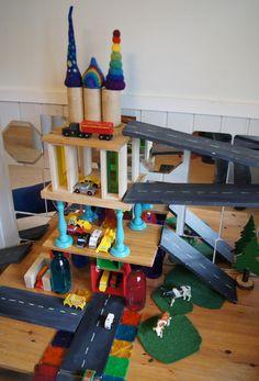 Planker og papprør kan forvandles til en flott bilkrok - Utdanningsnytt Nerf, Toys, Activity Toys, Clearance Toys, Gaming, Games, Toy, Beanie Boos