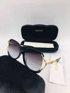 Name Brand Sunglasses, Cute Sunglasses, Trending Sunglasses, Gucci Sunglasses, Designer Glasses For Men, Sunglasses Storage, Fashion Eye Glasses, Givenchy, Eyeglasses For Women