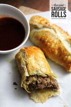 frozen puff pastry stuffed with seasoned ground beef Bet these are like empanadas. Savory Pastry, Puff Pastry Recipes, Savoury Pies, Pastry Dishes, Food Dishes, Main Dishes, Sausage Recipes, Pork Recipes, Cooking Recipes