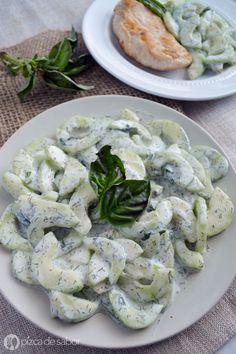 Ensalada de pepino cremosa (saludable y fácil) www.pizcadesabor.com