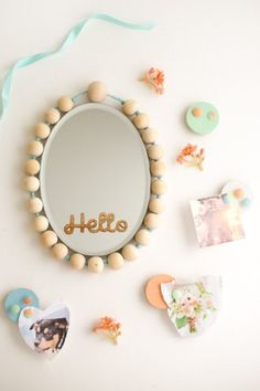 Make your DIY Locker Decorations with style. Great free tutorial for a fabulous magnetic beaded mirror and adorable mini magnetic bulletin boards. Locker Mirror, Diy Locker, Locker Stuff, Locker Ideas, Kid Stuff, Beaded Mirror, Diy Mirror, Locker Designs, Locker Decorations