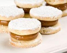 Petits fours biscuités au caramel rapides http://www.cuisineaz.com/recettes/petits-fours-biscuites-au-caramel-rapides-8601.aspx