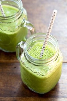 saine délicieux de bien-être: Le 4 ingrédients smoothie vert