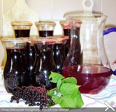 Elderberries & syrup, a popular recipe from the drinks category. Ratings: Average: Ø The post Elderberries & syrup appeared first on Aktuelle. Diet Drinks, Non Alcoholic Drinks, Healthy Drinks, St Patrick's Day Cocktails, Cocktail Drinks, Elderberry Syrup, Vegetable Drinks, Healthy Eating Tips, Decoration Table