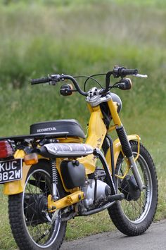 My fully restored 1981 with Hi - Lo ratio gearbox. Fully rebuilt and restored during the winter of 2016 - 2017 Scooter Custom, Custom Bikes, Scooter Scooter, Motorcycle Types, Motorcycle Engine, Honda Bikes, Honda Motorcycles, Motor Scooters, Motor Car