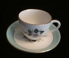 Pretty Vintage Cup & Saucer Christmas Rose Hearts Designs
